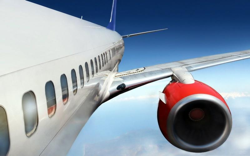 Почему всамолетах невыдают парашюты пассажирам и экипажу