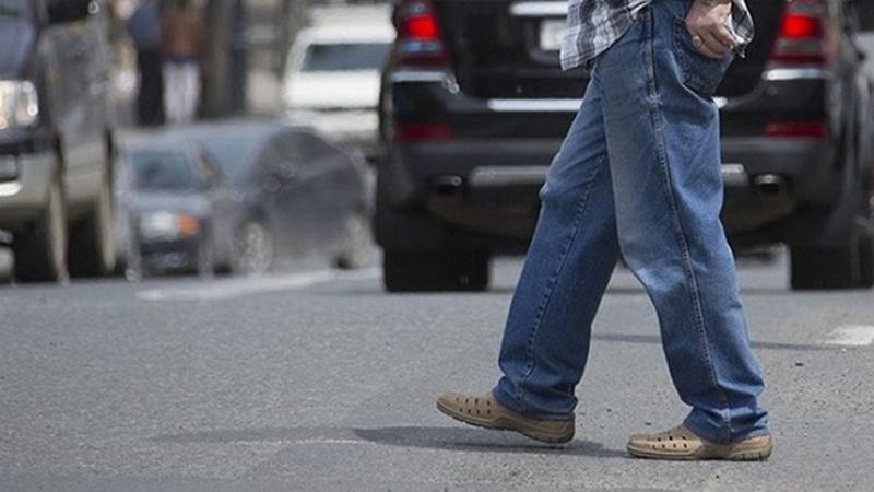 В Почепе под колеса авто попал пенсионер