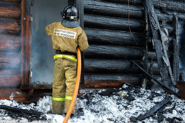 В Фокинском районе дотла сгорела дача