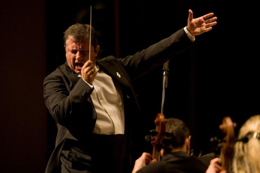 Симфонический оркестр Эдуарда Амбарцумяна выступит в Брянске 18 февраля