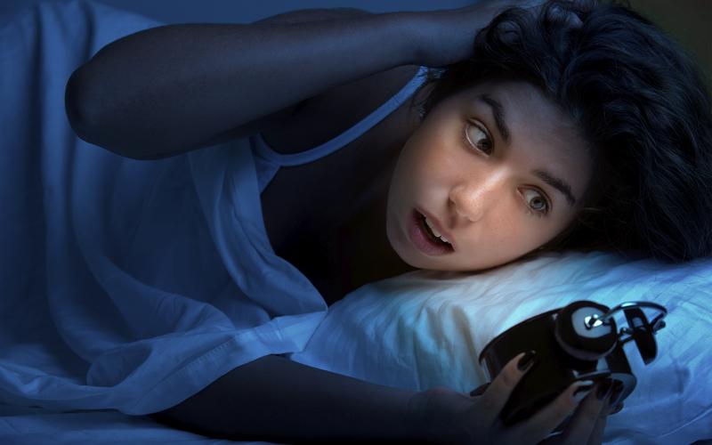 Проснувшись среди ночи, кое-чего нестоит делать!