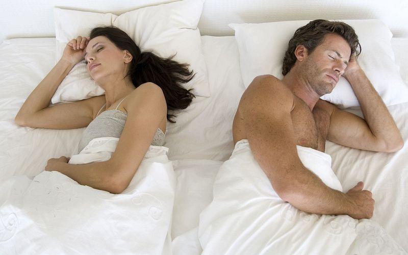 Скакой стороны отмужа должна спать жена: справа или слева