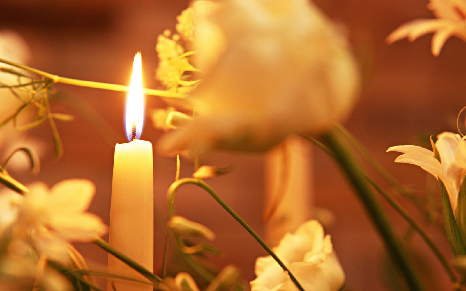 Упала свеча: приметы вцеркви