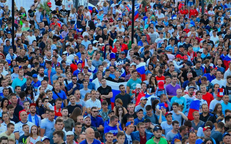 В Брянске трансляция футбольного матча России с Уругваем пройдет на площади Партизан