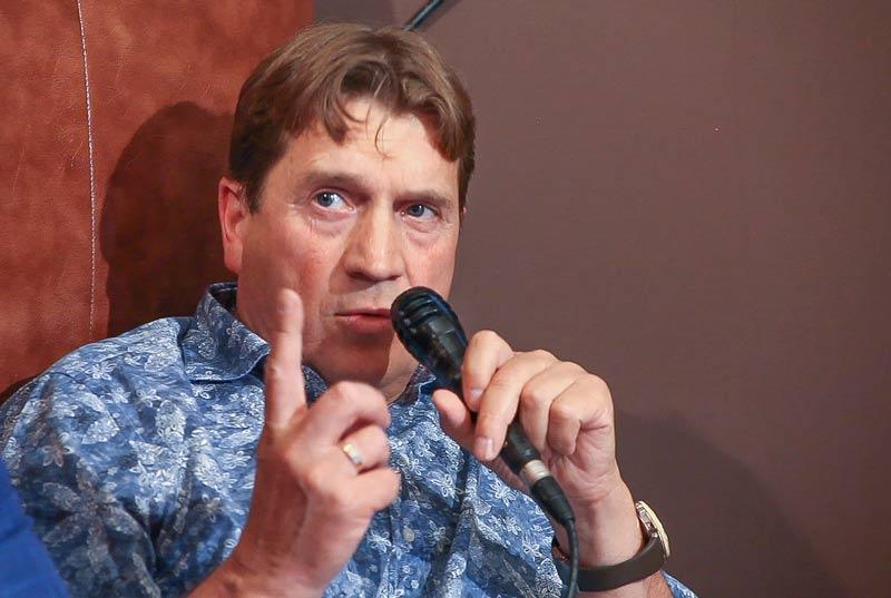 Александр Тюлин