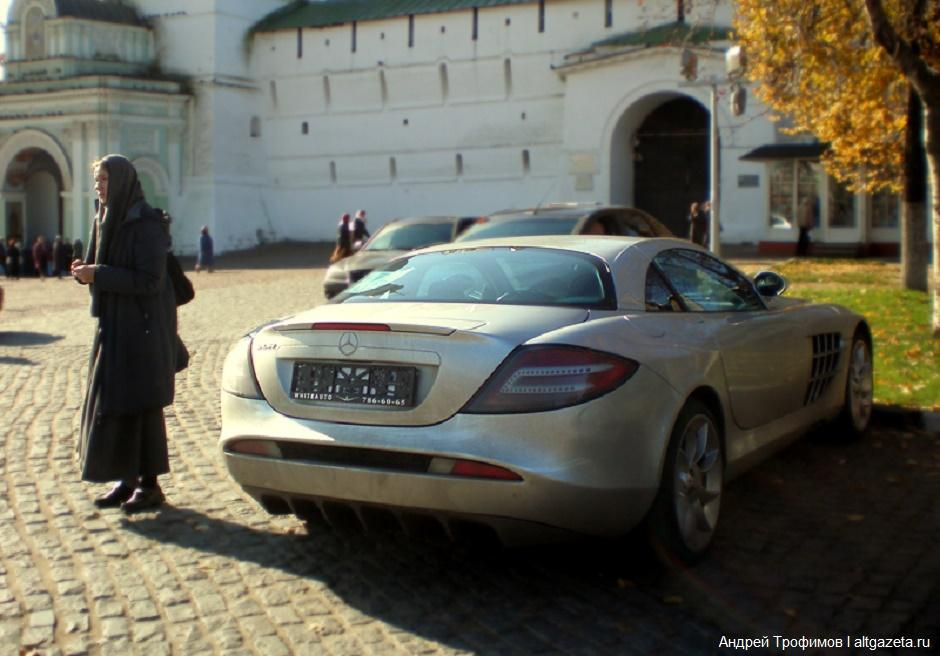 Ухористки угнали Lexus