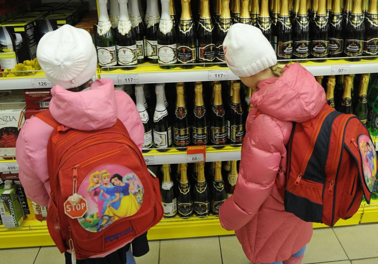 Алкомаркеты в Брянске придвинут кшколам