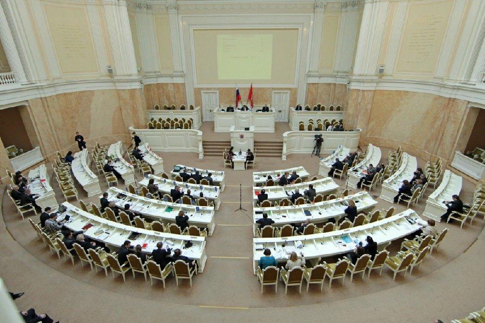 Законопроект против пенсионной реформы рассмотрит ЗакС Петербурга