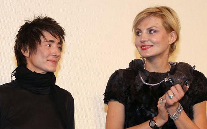 СМИ сообщили освадьбе Земфиры иРенаты Литвиновой